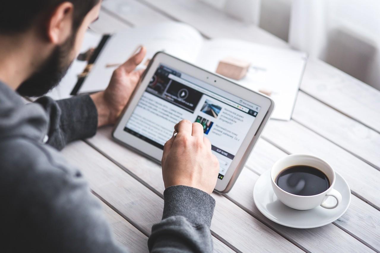 blog firmowy - poznaj 5 powodów dla których warto prowadzić bloga firmowego w B2B